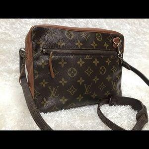 Louis Vuitton Sac Bandouliere Shoulder Bag